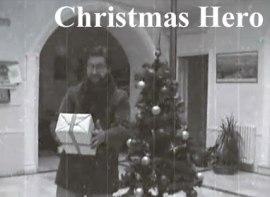 Un malvado villano quiere robar las navidades a los niños, pero el héroe de la Navidad lo impedirá... ¿o no?